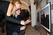 Své fotografie v Táboře vystavují autoři snímků z vojenských misí. Výstavu zahájil ministr Martin Stropnický.