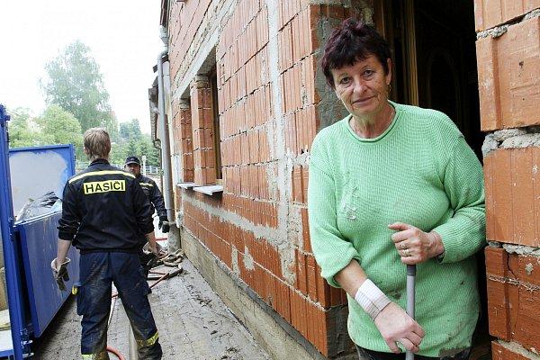 Bahno od včerejších časných hodin zdomu vyháněla iMarie Chlumecká