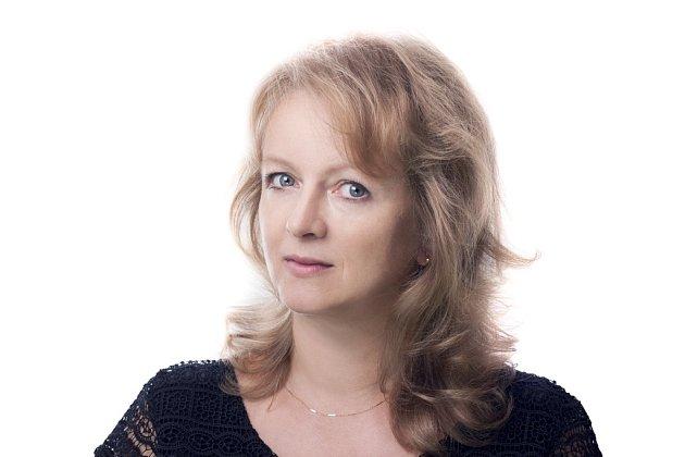 ČSSD: Ing. OLGA BASTLOVÁ (44) místostarostka města členka ČSSD na uvolněnou pozici na radnici se dostala vroce 2010, kdy se do sboru dostala podruhé voliči jí nadělili 2138hlasů