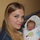 Lukáš Novák z Týna nad Vltavou. Prvorozený syn rodičů Adélya Lukáše přišel na svět 30. dubna v 15.13 hodin. Vážil 2720 gramů, měřil 48 cm a na snímku je se svou tetou Janou.