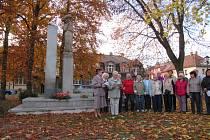 Vzpomínkové shromáždění se konalo v neděli 27. října u pomníku padlých v parku u nádraží v Soběslavi.
