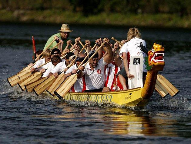 Novinkou letošního táborského festivalu není jen změna jeho názvu, ale i závod dračích lodí.