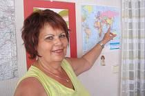 Alena Klípová se narodila v roce 1954, s manželem Františkem má dcery Simonu a Lucii, je čtyřnásobnou babičkou.