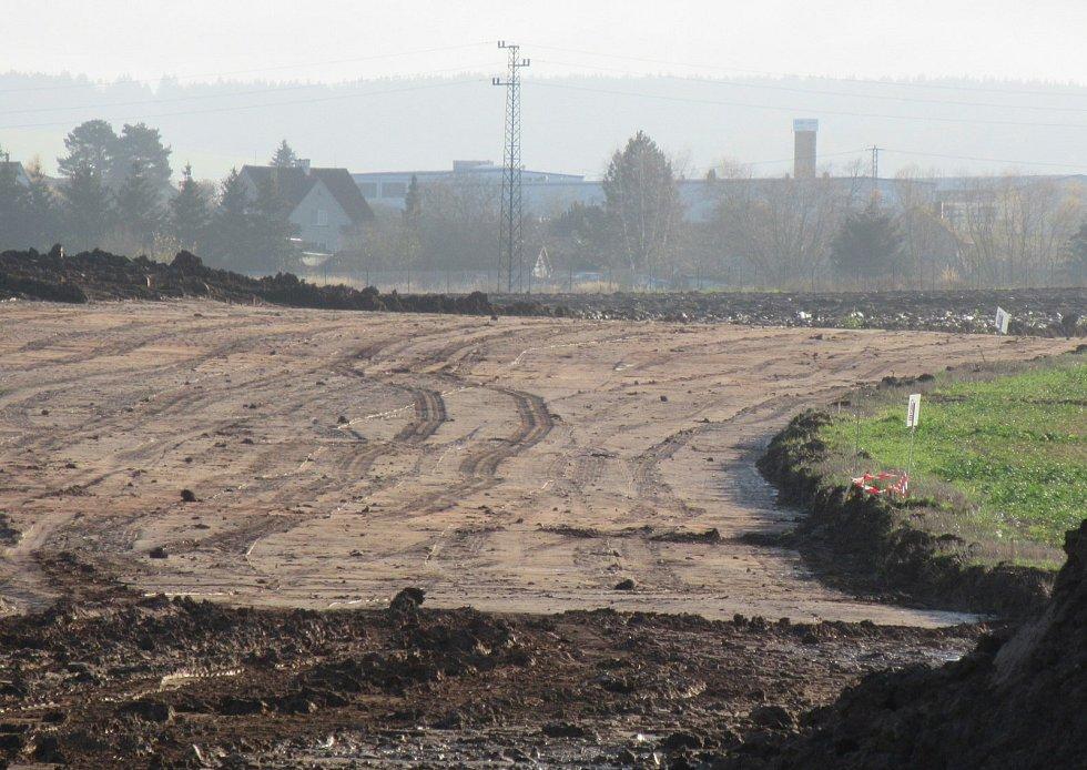 Přeložka silnice I/19, která je hlavním tahem na Pelhřimov, má být hotova v roce 2020. Ředitelství silnic a dálnic (ŘSD) do ní investuje odhadem 262 milionů bez DPH.