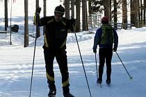 O takové stopě si na lesních cestách na Polánce mohou běžkaři nechat jen zdát.