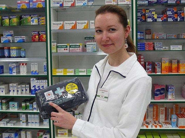 Nové autolékárničky nabízí i lékarnice Šárka Pelikánová z lékárny Dr. Max.