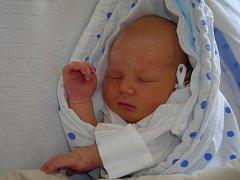 JÁCHYM STEJSKAL Z VESELÍ NAD LUŽNICÍ. Daně a Petrovi se narodil 25. března ve 4.47 hodin. Vážil 4220 g a měřil 52 cm.
