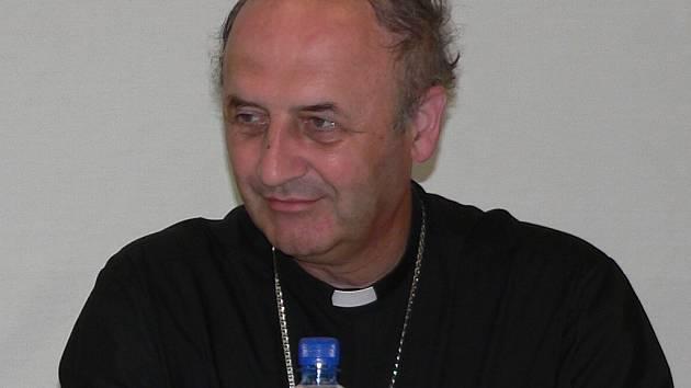 ARCIBISKUP. Vzácným hostem setkání byl i předseda České biskupské konference Jan Grabner.