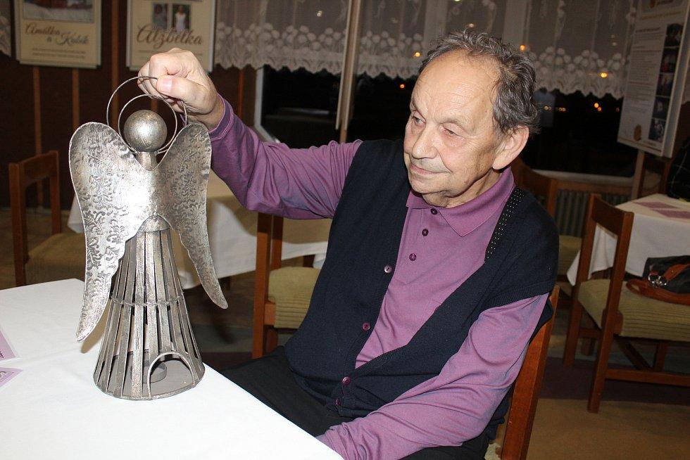 Ve Veselí nad Lužnicí oslavili úspěchy českobudějovické neonatologie a profesora Miloše Velemínského.