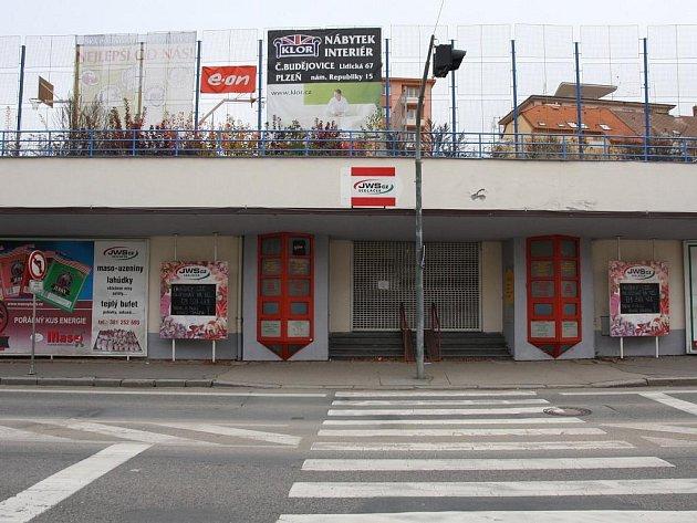 ŠANCE. Pro budovu bývalé tržnice jsou mizivé. Zájem o ni je malý, listopad rozhodne.