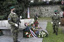 Ve středu dopoledne se v táborském parku U Jakuba uskutečnil pietní akt ke Dni válečných veteránů.