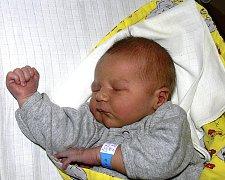 MICHAL ČERNÝ Z RADIMOVIC U ŽELČE. Na svět poprvé pohlédl 13. dubna padesát minut po půlnoci. Po narození mu navážili 3810 g a  naměřili 52 cm. Doma už má téměř čtyřletého brášku Káju.