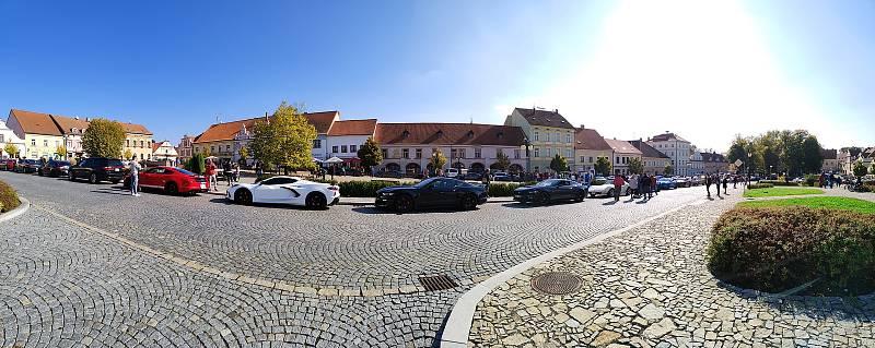 Kolona vozidel projela z Tábora přes Slapy, Malšice a do Bechyně na náměstí T. G. Masaryka. Zpět se účastníci projížďkou vraceli ještě přes Želeč a Planou nad Lužnicí.