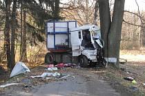 Těžká dopravní nehoda se stala dopoledne u obce Mlýny.