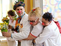 Dětská psychiatrická nemocnice v Opařanech byla jedním z míst, kam dorazili Zdravotní klauni.