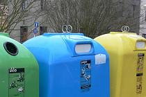 Kontejnery na tříděný odpad. Ilustrační foto.