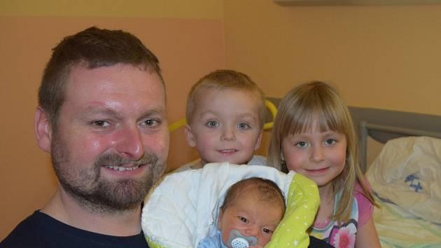David Lukeš z Chotovin. Narodil se 20. března ve 13.27 hodin s váhou 3920 gramů a mírou rovných 50 cm. Je třetím dítětem v rodině, už má doma sestřičku Terezku (5) a brášku Pepíčka (3).