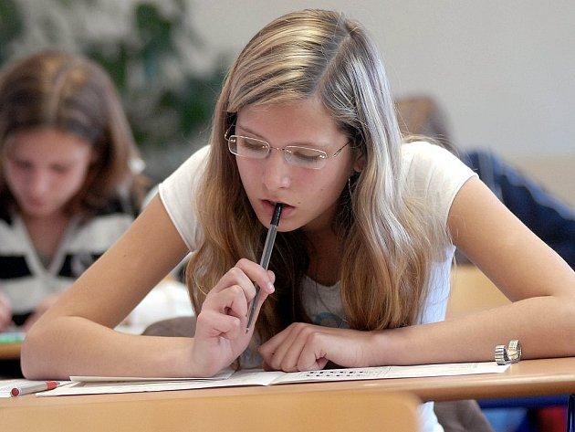 Letos se převážená většina budoucích studentů přijímacím zkouškám vyhne. Ilustrační foto.