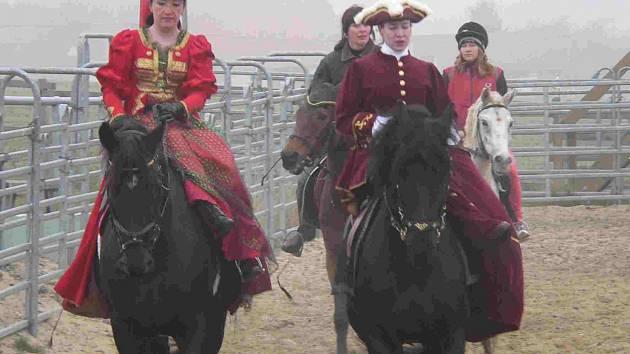 V okolí hradu Šelmberk se pojede další Hubertova jízda, začátek akce je plánován na 11 hodinu.