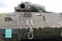 Součástí oslav byla výstava historické vojenské techniky