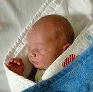 Marek Saksun z Tábora. Narodil se 23. října ve 23.53 hodin s váhou 3550 gramů a mírou rovných 50 cm. Doma už má brášku Kryštofa, kterému jsou téměř tři roky.