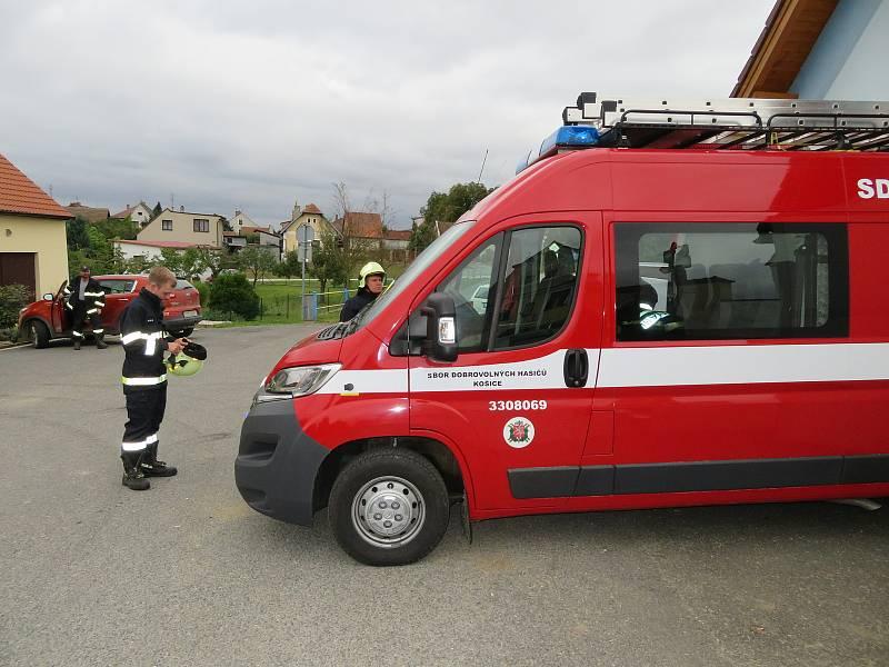 K uctění památky dvou dobrovolných hasičů z Koryčan nastoupila v neděli 19. září v poledne i jednotka Sboru dobrovolných hasičů v Košicích na Táborsku.