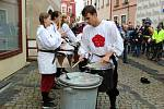 Žebrácká ulička, koncert, trh, vernisáž výstavy Jindřicha Štreita a Kurta Gebauera. To byla sobota Táborských slavností.