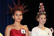 Kadeřnická soutěž studentů soukromé školy Heureka Tábor.
