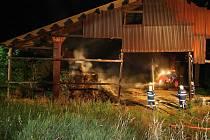 Požár způsobil škodu ve výši 40 tisíc korun, uchráněné hodnoty jsou staveny na 30 tisíc korun.