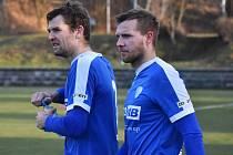 V Tipsport lize fotbalisté Táborska (na snímku Jakub Navrátil a Zbyněk Musiol) ve čtvrtek v Xaverově hrají s béčkem Sparty.