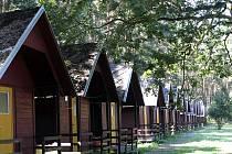 ORION nabízí ubytování v chatkách i stanech.