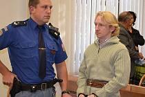 Zatím nepravomocně soud Karla Přibyla posílá do vězení na 16 let.
