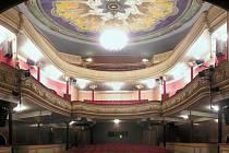 Divadlo Oskara Nedbala přináší výběr toho nejlepšího z českých a moravských scén. Ročně uvádí na dvě stovky představení pro více než 60 tisíc diváků.