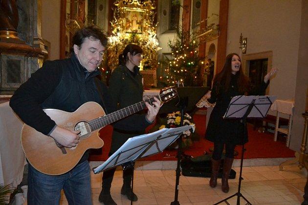 Páteční koncert Quodlibetu v klášteře v Klokotech.