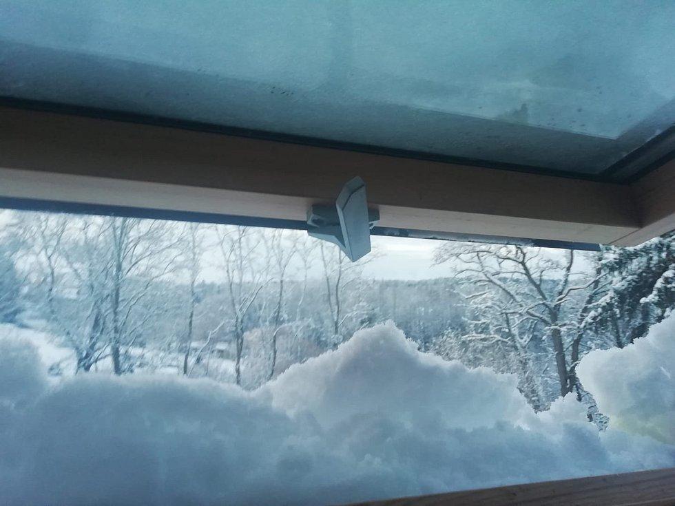 Sníh v Bechyni. Páteční ranní probuzení.