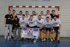 Obhájce okresního futsalového titulu, tým FK Dogy.