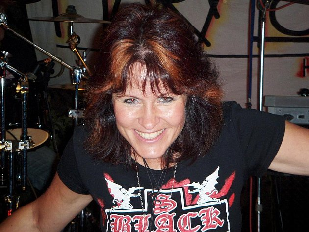 Dana Mikesková o sobě říká, že je hodná rockerka.