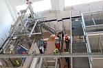 Necelý rok od položení základního kamene, byla v závodě Madety v Plané nad Lužnicí dokončena stavební část nové sýrarny, nyní je montována výrobní technologie.