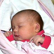 NELA PLEMENÍKOVÁ Z DRAŽIC. Rodičům Lucii a Milošovi se narodila 14. února v 17.47 hodin jako jejich prvorozená dcera. Její váha byla 4100 g a míra 52 cm.
