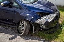 V pátek dopoledne bylo v důsledku nedání přednosti na křižovatce způsobeno vážné zranění motorkáře jedoucího po hlavní silnici z Bechyně na Senožaty.