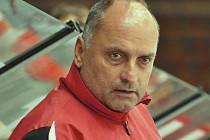 Trenér Vladimír Kýhos vede táborský tým v ostrém prvoligovém souboji poprvé.