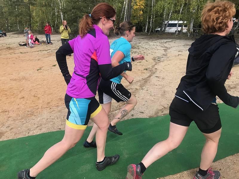 Triatlonisté podpoří závodem ve Vlkovské pískovně lidi s epilepsií.