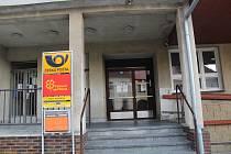 Poprvé se koronavirus objevil v úterý na místní pobočce pošty. Na Mladovožicku má nyní pozitivní výsledek sedm lidí.