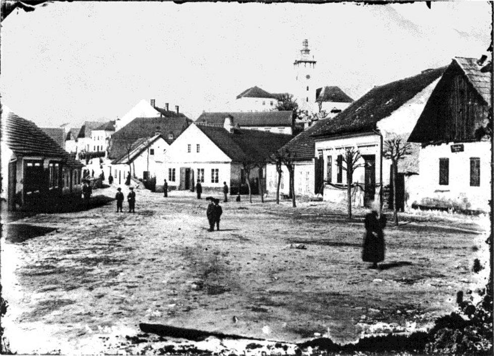 Umístit po Jistebnici historické fotografie