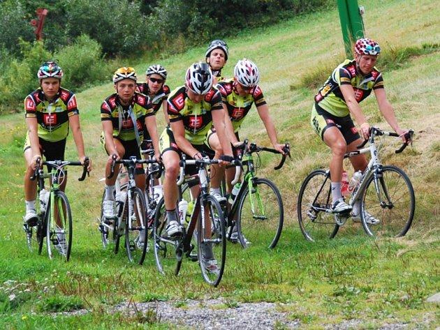 Závodníci ČEZ Cyklo Teamu Tábor se v posledních dnech během přípravy rozhodně nenudili.