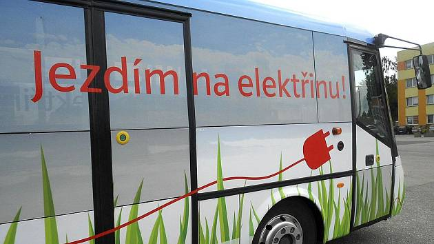 Tábor testoval moderní elektrobus za deset milionů korun.