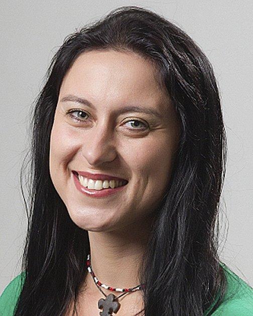 Jinak!: Ing. MICHAELA PETROVÁ (35) učitelka zČekanic členka zastupitelstva od roku 2006, kdy nastoupila za Stranu zelených od voličů získala 1673hlasů  a tím si udržela  pozici lídra