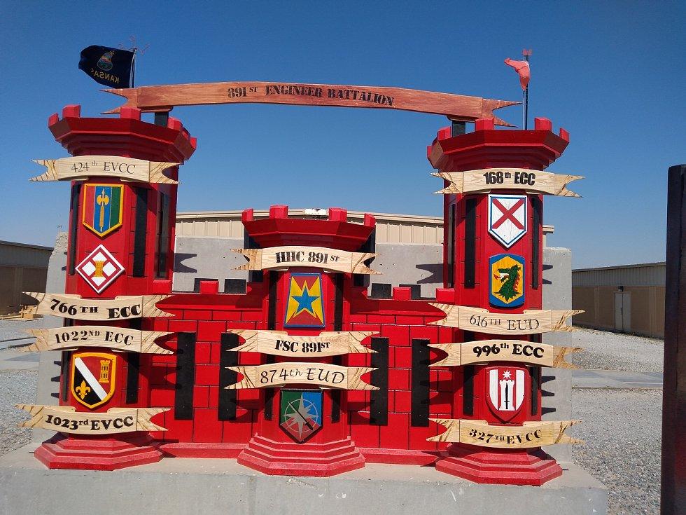 Panel na základně Arifjan v Kuvajtu přebudován na tzv. engineer castle (ženijní zámek)