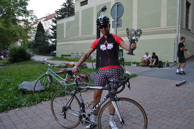 Ve čtvrtém ročníku cyklistického závodu Alleycat, jenž se konal v rámci prvního víkendu festivalu Transforma, si výhru vyšlapal  Franjo Boroš z Tábora.