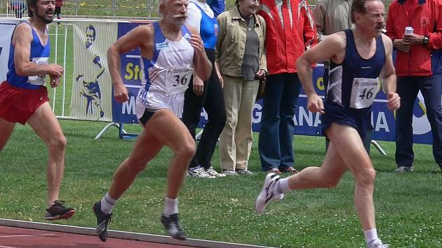 Mistrovství České republiky veteránů v atletice se táborským organizátorům vydařilo po všech stránkách a dá se očekávat, že v budoucnu zavítají k Jordánu i další vrcholné republikové podniky. Hodně kvalitní obsazení by ovšem měla mít i srpnová Velká cena